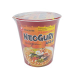 Nong Shim Cup Noodle Soup Neoguri Spicy Seafood Flavour 62g / 农心 小浣熊海鲜面 62克