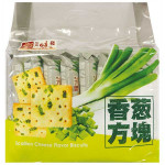 YUMMY HOUSE Scallion Cheese Flavor Biscuits 300g / 美味栈香葱方块 300g