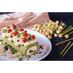 Matcha Cake Roll With Red Beans
