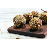 Protein Balls with Matcha, Hemp Seeds and Apricot / 纯素蛋白球